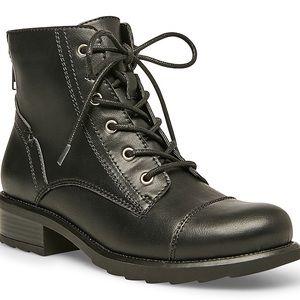 Madden girl combat boots 🥾